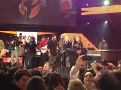 Zac singing at the MusiCares finale